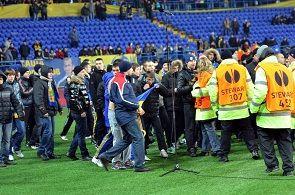 Стюарды «Металлиста» заявляют, что вместо них на матче против «Днепра» будет работать охранное агентство. В клубе отрицают.