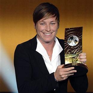 Эбби Вамбах - лучшая футболистка года / Марта второй год подряд ...