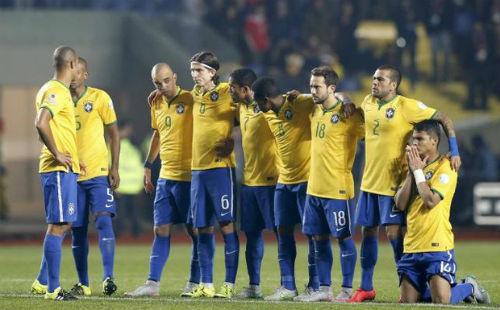 Бразилия уступила Парагваю в четвертьфинале КА-2015