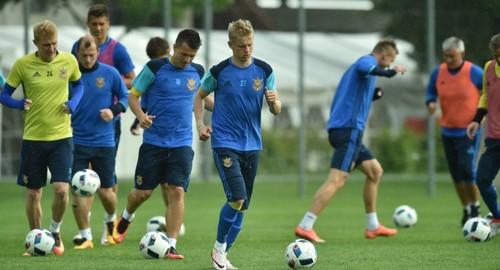 Сборная Украины отменила первую тренировку воФранции