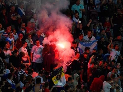 Словакия: УЕФА небудет открывать дисциплинарное дело из-за файера наматче РФ