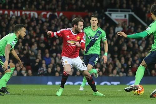 Ибрагимович помог «Манчестер Юнайтед» обыграть «Саутгемптон»