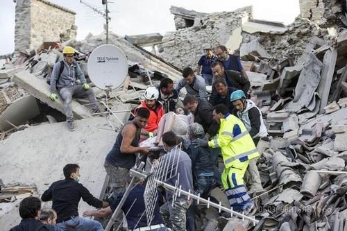 Футбольные матчи вИталии начнутся с мин. молчания, приуроченной жертвам землетрясения