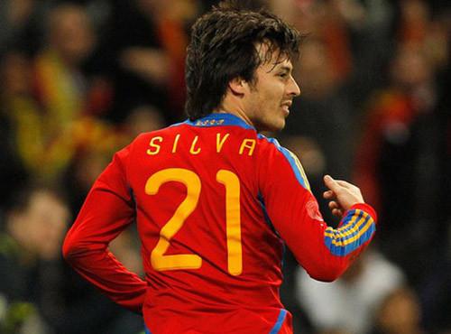 Сборная Испании должна продолжать стремится ксовершенству — Сильва