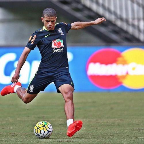 Полузащитник «Шахтера» Тайсон дебютировал засборную Бразилии