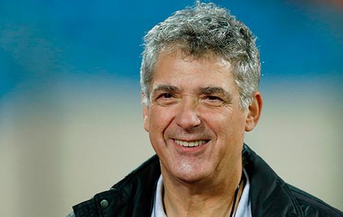 Вильяр снял свою кандидатуру свыборов президента УЕФА