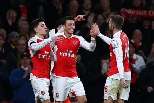 Арсенал возглавил турнирную таблицу в Англии
