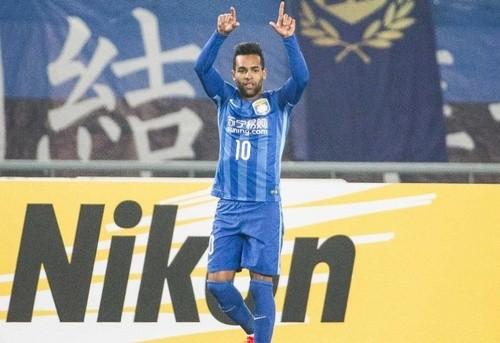 Экс-игрок 'Шахтера' Тейшейра забил свой первый гол в Китае