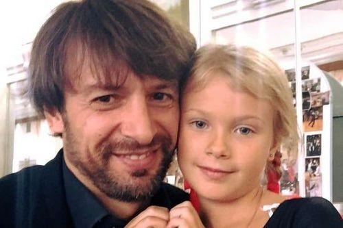 Александр Шовковский обратился вполицию поповоду пропажи дочери