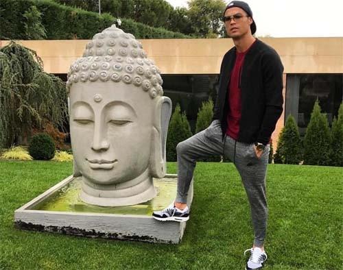 Буддисты обиделись наКриштиану Роналду