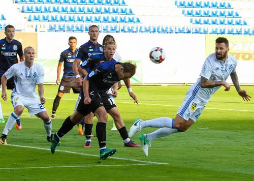 Одесский «Черноморец» сенсационно выигрывает киевское «Динамо»