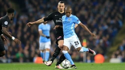 «Манчестер Сити» предложит Фернандиньо новый договор