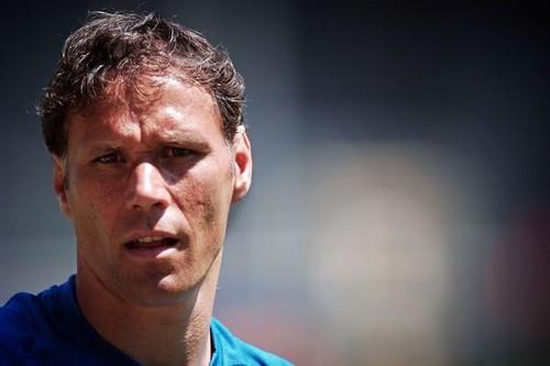ФИФА может разрешить общаться ссудьями только капитанам команд