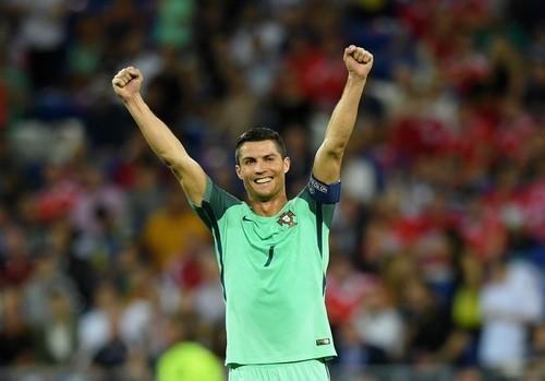 Криштиану Роналду оформил самый быстрый дубль засборную Португалии