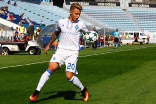 Владислав Алексеев продлил договор с«Динамо»