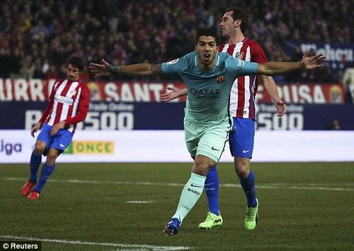 Слаломный гол Суареса, пушка Месси и остальные мячи от«Барселоны» и«Атлетико»