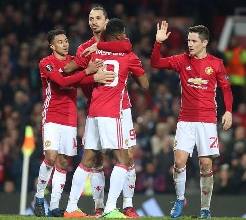 Три гола Ибрагимовича помогли «Манчестер Юнайтед» пересилить «Сент-Этьен»