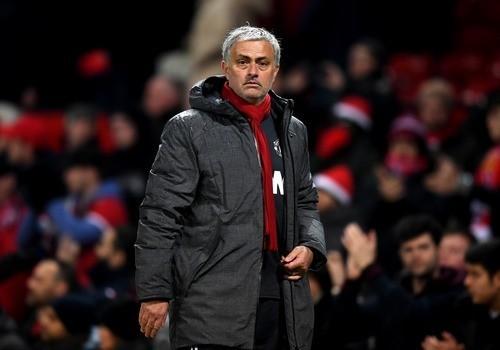 Мхитарян сослезами наглазах простился сигроками Манчестер Юнайтед