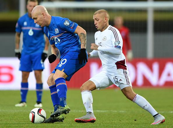 Португалия сыграла вничью сИсландией наЕвро