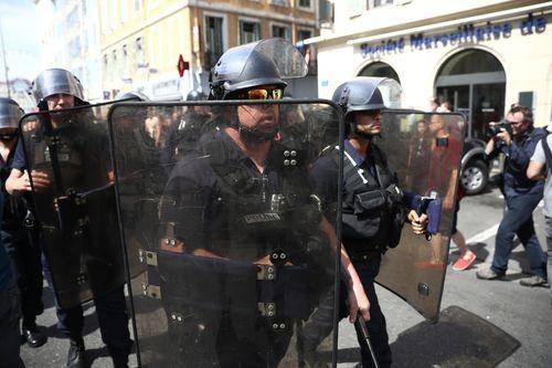 Во Франции задержан украинец с бейсбольными битами